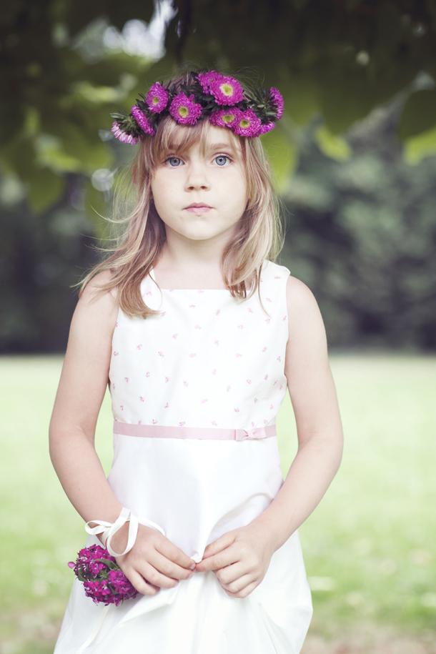 Hübsche Blumenmädchen Kleider von noni