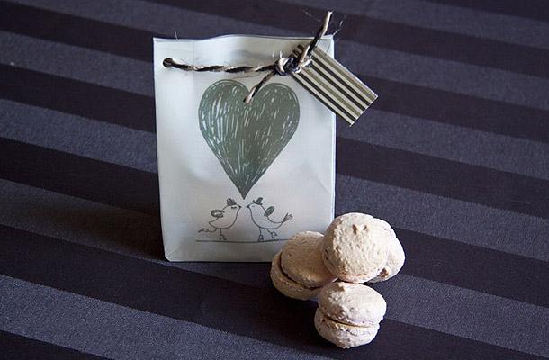 Kleine Geschenktuete fuer Macarons