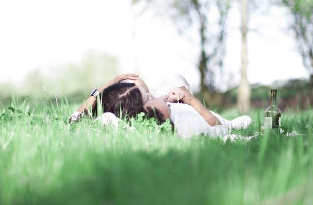 Mikala und Shanes Picknick Love Shot