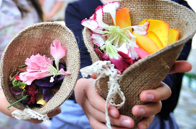Blüten-Konfetti-Tüte aus Jute