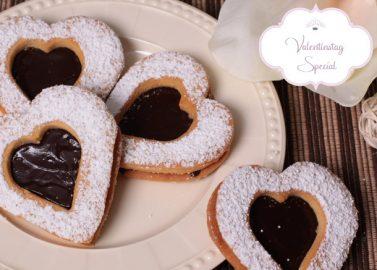 DIY: Schokoladen-Erdnuss-Herzen
