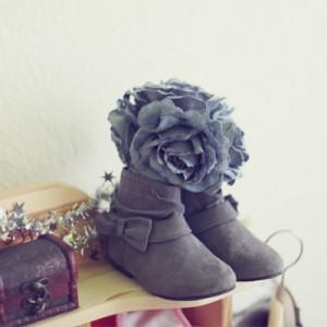 DIY-Brautstrauß aus Stoffblumen oder Broschen