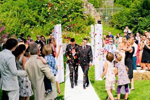 Zu Tränen rührende Maisenburg Hochzeit