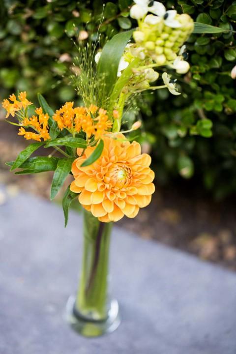 Orangefarbene Sommerhochzeit von Anouschka Rokebrand Photography