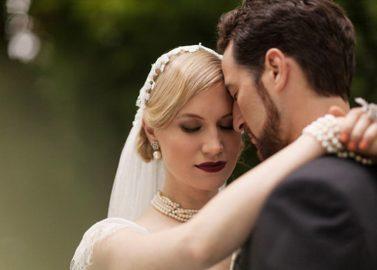 Moderne Great Gatsby Hochzeitsinspiration von Beautiful Occasions