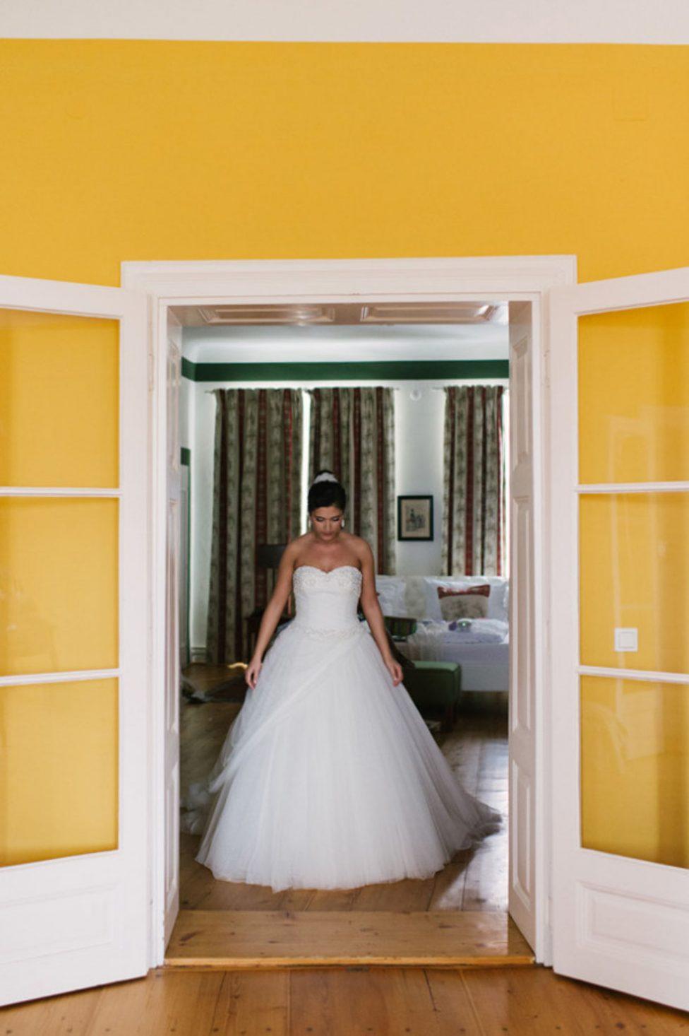 Schloss Mailberg Hochzeit von Claire Morgan Photography und Soda Films Europe