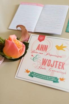 Ann und Wojteks DIY-Hochzeit von Ashley Ludaescher Photography