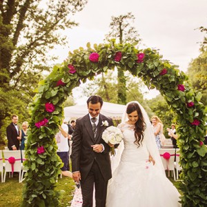 Slowenische Traumhochzeit in Pink von Happy Wedding Films