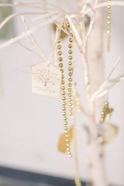 Luxeriöse, goldfarbene Winterhochzeitsinspiration aus Holland