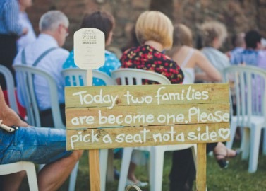 Wunderhübsche DIY-Burgruinen Hochzeit von Lilly Photography