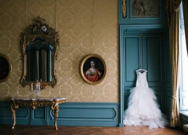 Romantische Schloss Markiezenhof Hochzeitsinspiration von Carina + David Photography