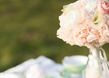 Peach-Pistazienfarbige Hochzeitsinspiration von Ebru Arslan