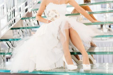 Stylische Kristallschiff Hochzeit von Kalupar Photography