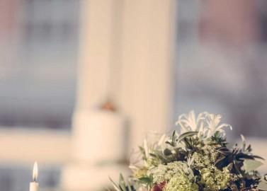 Provence inspiriertes Spätsommer-Hochzeitskonzept von Love Circus