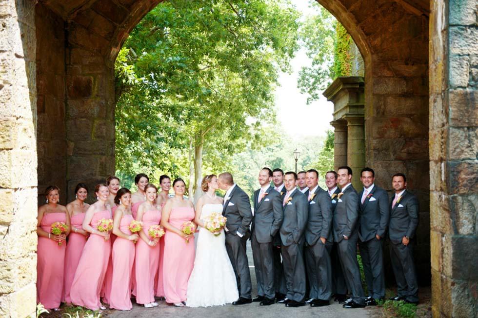 Sarah und Domenic's Hochzeit in der historischen Aldrich Mansion von A Brilliant Photo