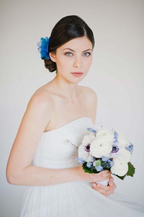 Ein Hochzeitskonzept in der Trendfarbe Blau