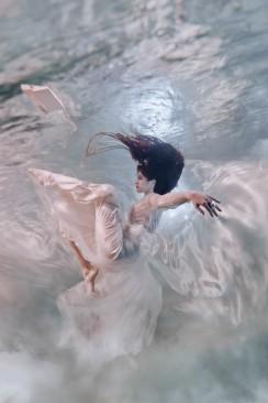 """""""Briefe an meine Liebe"""" – ein märchenhafte Unterwasser-Hochzeitsinspiration"""