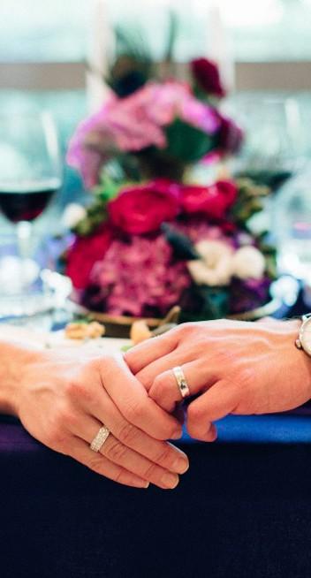 Mut zur Farbe – Schicke Hochzeitsinspiration von The Moment Maker und Theoneswelove. Photography