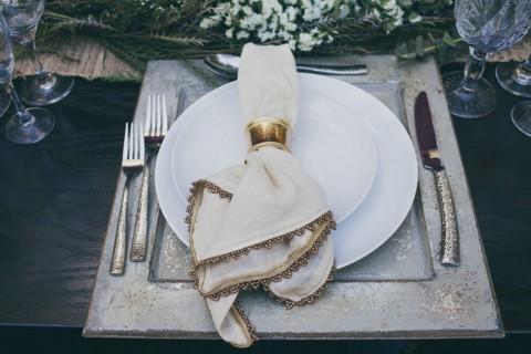 Blau & Goldfarbene Hochzeitsinspiration von Alexandra Wallace