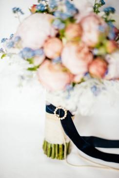 Pastellfarbene Vintage-Scheunenhochzeit von Die Hochzeitsfotografen