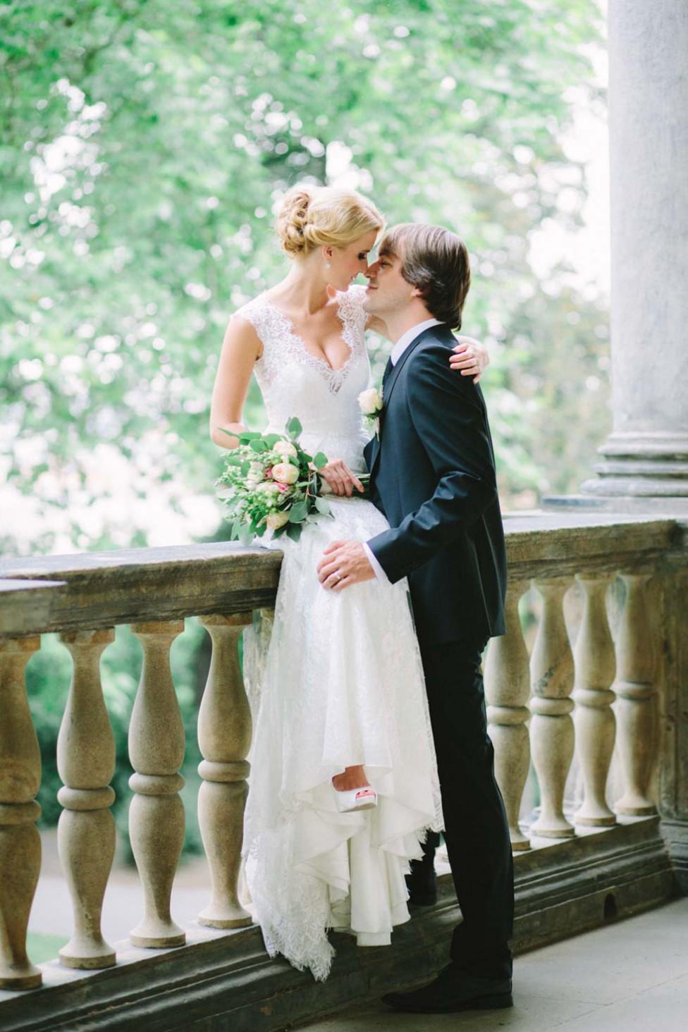 Elegante Hochzeitsinspiration im Prager Lustschloss der Königin Anna von Christin Lange Photography