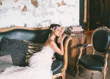 Romantische Brautinspiration inmitten einer urbanen Märchenlandkulisse