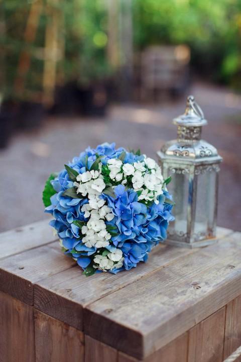 Inspiration: Gartenhochzeit in strahlendenen Blau und Weiss