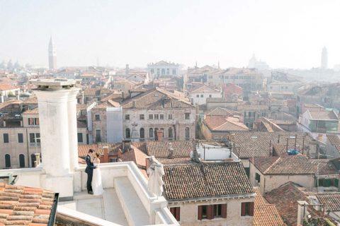 Über den Dächern von Venedig