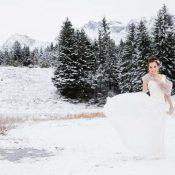 """""""Alles dreht sich"""" - eine hauchzarte, pastellfarbene Winterhochzeitsinspiration"""