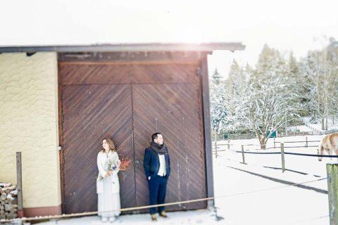 After Wedding Fotoshoot im tiefen Schnee