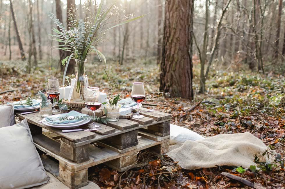 Naturverbundene Hochzeitsinspiration im Wald