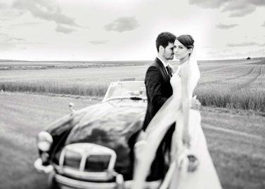 Anne und Michael DIY-Hochzeit in pastelligen Pfirischtönen