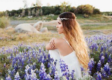 Sommer Spirit einer Boho inspirierten Hochzeit