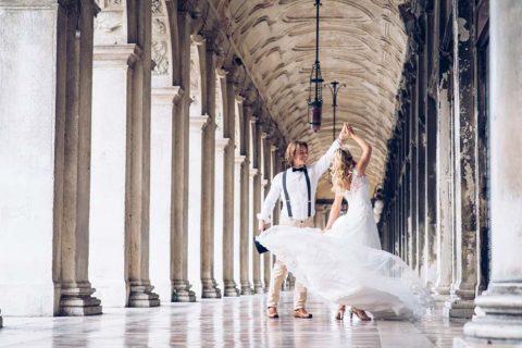 Rustikale trifft auf moderne Romantik: Ein Brautpaar-Shooting in Venedig