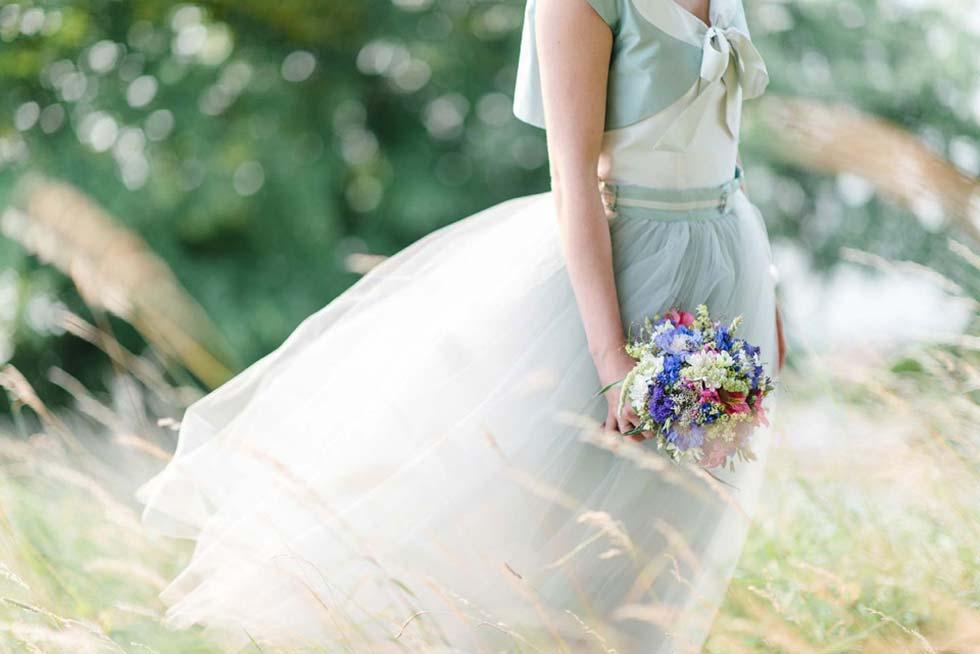 Zauberhaftes Brautstyling in einem Traum von Mint