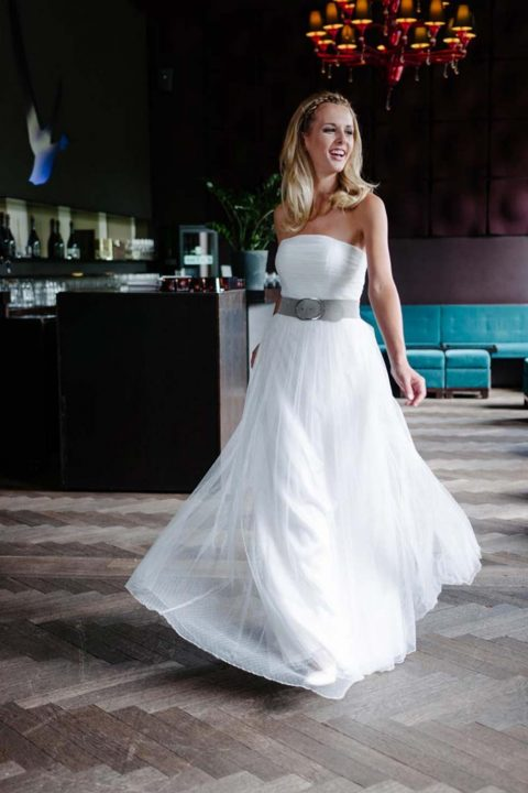 Trendiges Vintage der 70er-Jahre: Die neue Brautmoden-Kollektion 2016 von küssdiebraut