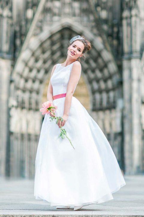 Mit Petticoat und Pastell in den Frühling: Die neuen Brautkleider ...