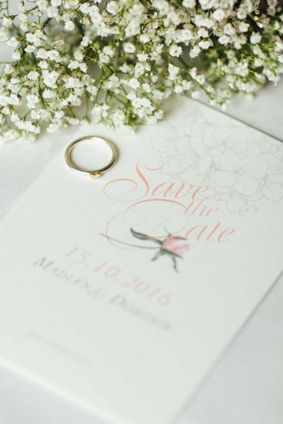 Verspielte Vintage-Hochzeitsinspiration in Rosa und Gold