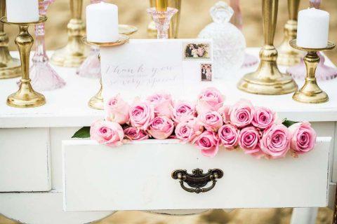 Eine nostalgische Strand-Hochzeitsinspiration macht Lust auf die Hochzeitsmesse