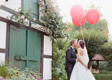 Maike und Sebastian: Traumhochzeit in der Farbe der Liebe - Rot
