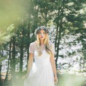 Schlichte Schönheit im Boho-Chic: Die Light & Lace Brautmoden-Kollektion 2016