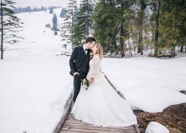 Lorena & Stefan: Märchenhafte Open Air-Winterhochzeit in der Schweiz