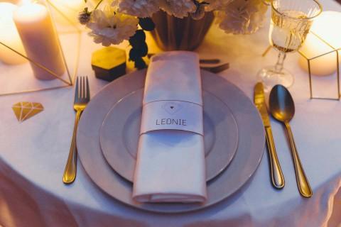 Diamanten, Gold & eine Edel-Boho-Hochzeitsidee
