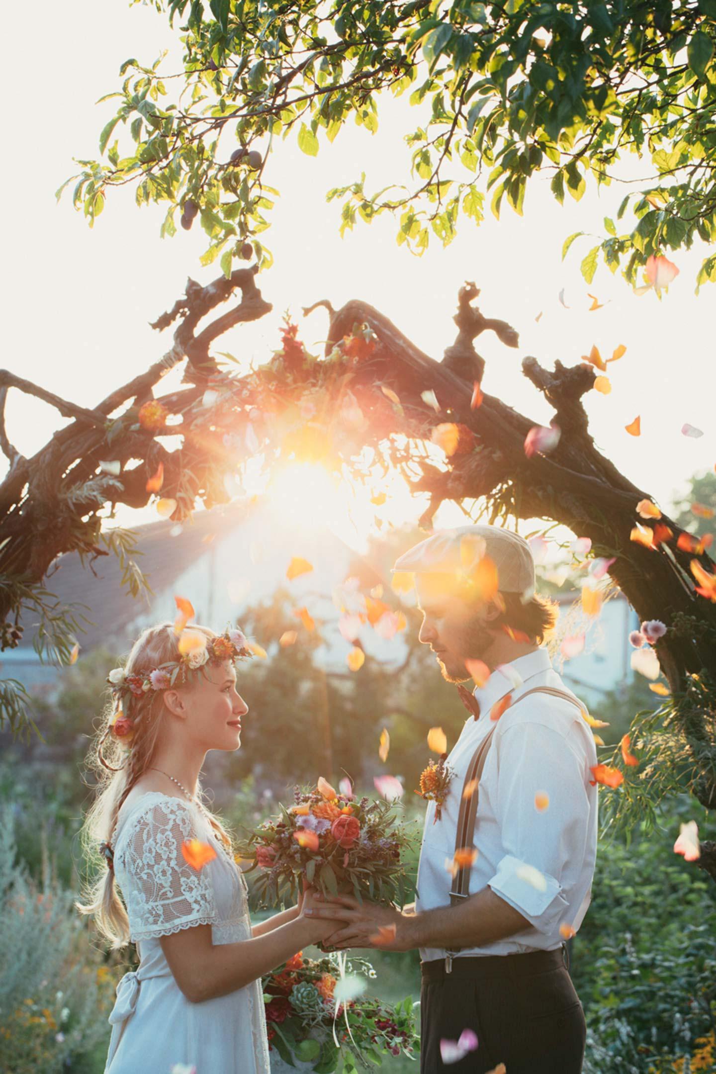 3somethingblue_vintageweddings
