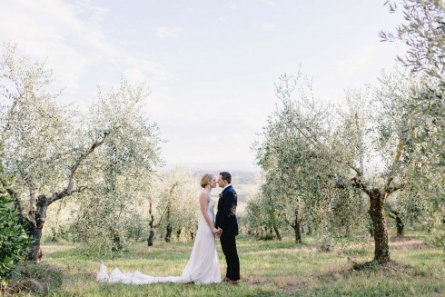 Anatoli & Joelle: Italienische Sommerhochzeit unter freiem Himmel