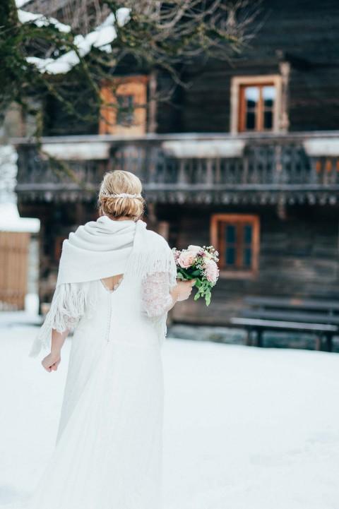 Julia & Sebastian: Winterhochzeit mit Schlossromantik