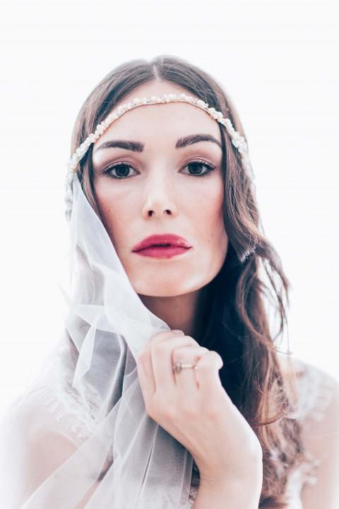 Glanz & Romantik für die Brautfrisur