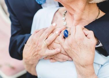 Love-Shoot zum Valentinstag: Wenn wahre Liebe Jahre überdauert