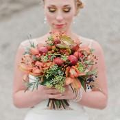 Am Ufer der Liebe: Herbstliches Hochzeits-Picknick am Wasser