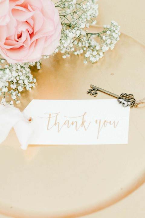 Pastellene Liebe: Rosenquarz für die elegante Braut